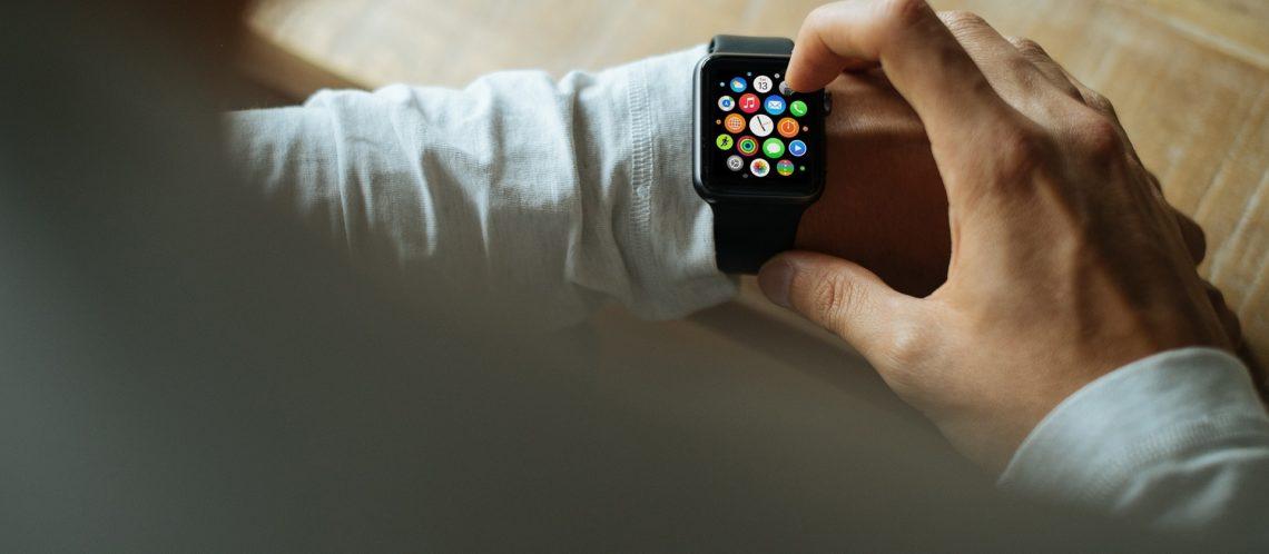 Bedienung einer Smartwatch
