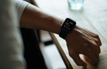 Smartwatch am Handgelenk