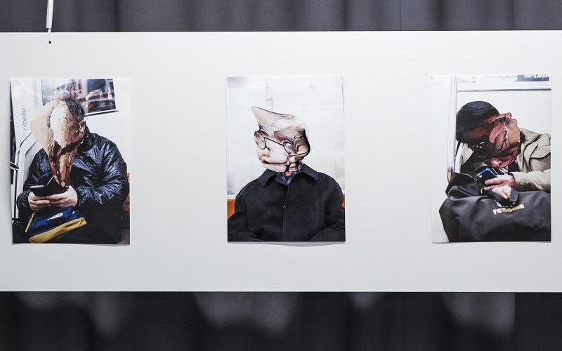 Verfremdete Fotografien von Menschen in der U-Bahn digitales Kunstwerk UNCONSCIOUS von Ray Washio