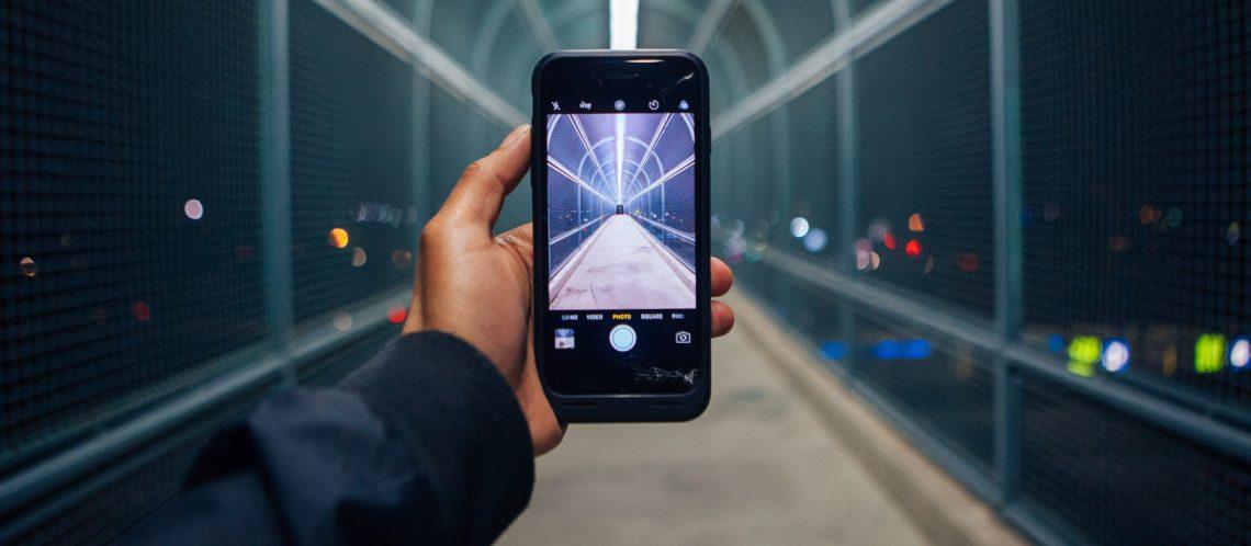 Nacht Tunnel Handy Arm