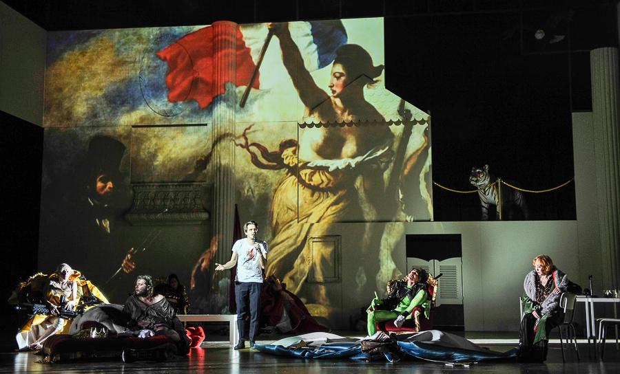 Inszenierung von Falk Richter auf Bühne mit digitalen Elementen