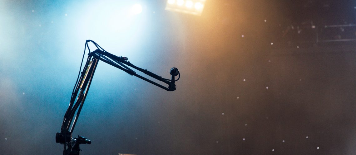 Mikrofon Bühne Licht zum Thema Michael Jackson Beat it Musical