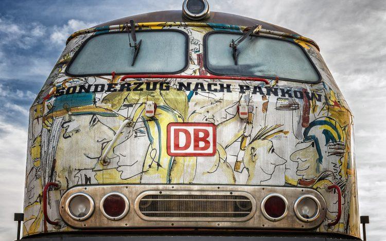 Zum Artikel über lustige Bahnansagen: Deutsche Bahn Sonderzug nach Pankow Udo Lindenberg