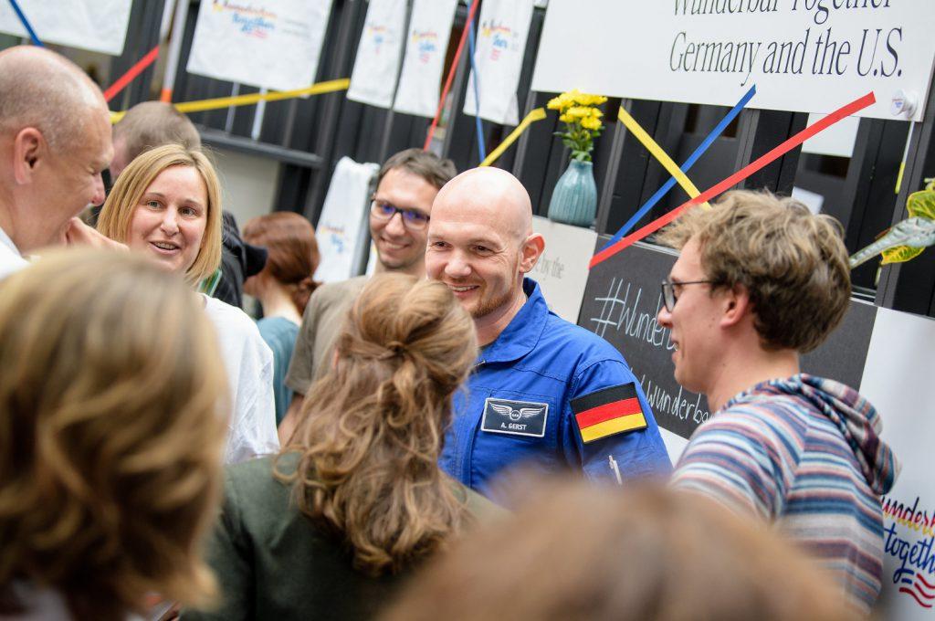 Alexander Gerst und Michelle Müntefering auf der re:publica 2019